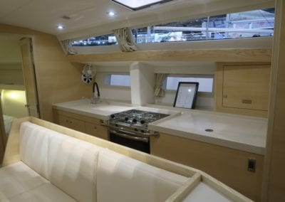 Ovni 450 Galley
